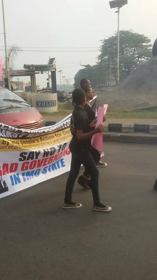 Photos: Police reportedly attack anti-Okorocha protesters in Owerri
