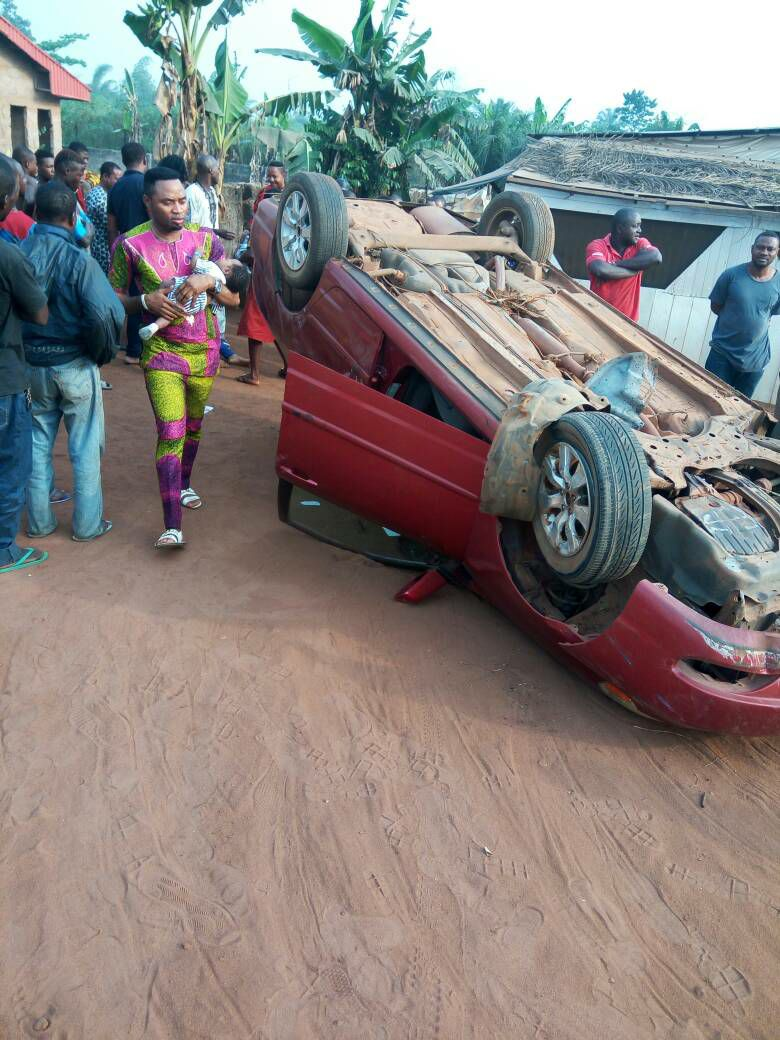 pastor-wife-and-their-twin-babies-survive-ghastly-motor-accident-in-benin