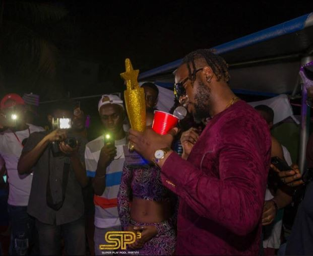 "Photos: Teddy A awarded as ""Best Big Brother Housemate 2018??at Super Play Pool Party"