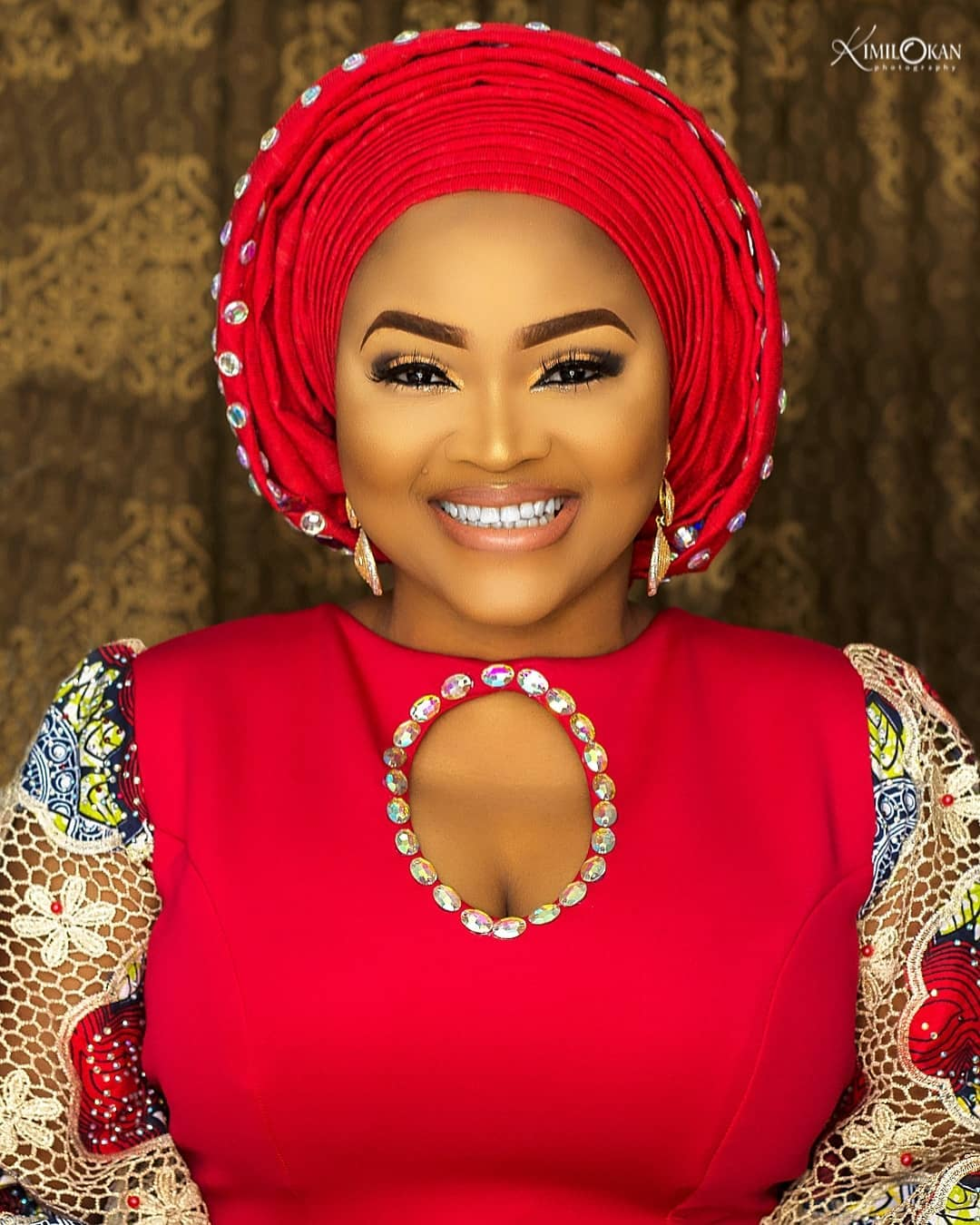 big-girl-mighty-god-mercy-aigbe-slays-in-owambe-look-as-she-shows-off-her-big-sister-1