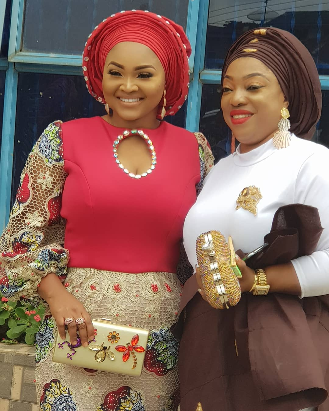 big-girl-mighty-god-mercy-aigbe-slays-in-owambe-look-as-she-shows-off-her-big-sister-2