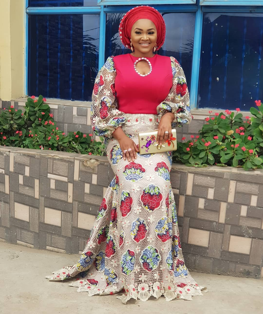 big-girl-mighty-god-mercy-aigbe-slays-in-owambe-look-as-she-shows-off-her-big-sister-3