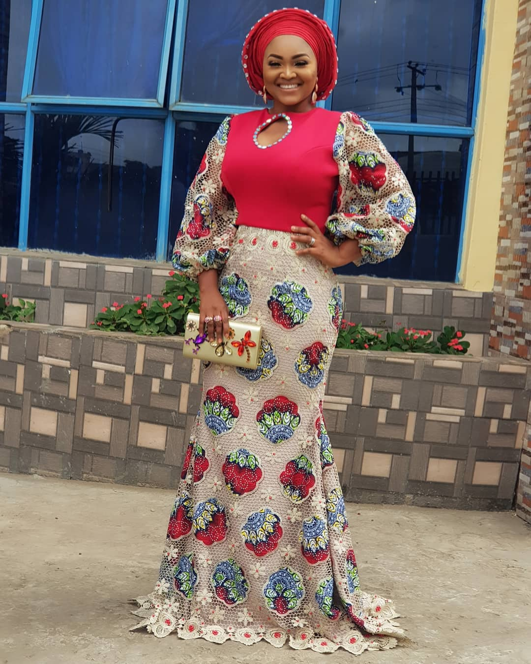 big-girl-mighty-god-mercy-aigbe-slays-in-owambe-look-as-she-shows-off-her-big-sister-4