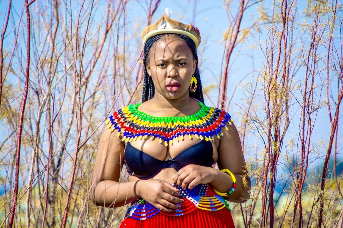 south-african-ladies-show-off-their-boobs-curves-and-stunning-beauty-as-they-celebrate-heritage-day-photos-1