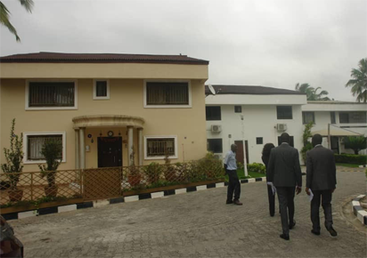 EFCC obtains court order to keep Fayose for two weeks, release photos of properties he allegedly acquired wrongfully