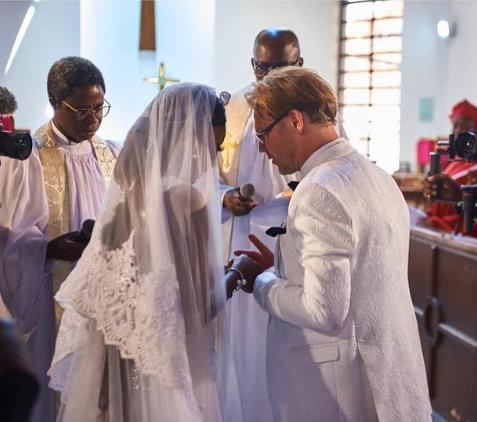 Actress Ada Slim marries her Caucasian lover (photos)