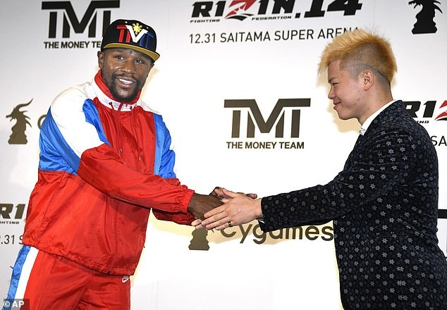Floyd Mayweather announces New Year