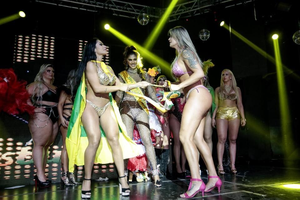 Miss Bum Bum Contestants fight on stage as one accuses rival of cheating with