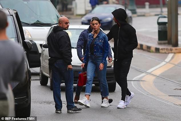 Cristiano Ronaldo and fianc?e Georgina Rodriguez visit a giant Italian church as they search for a wedding venue (Photos)