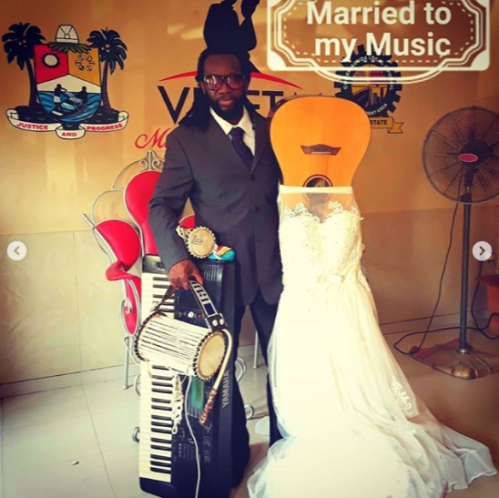 Man marries his guitar in Lagos and explains his reason (photos/video)
