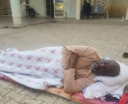 Photo: Senator Melaye continues to sleep outside the DSS medical facility