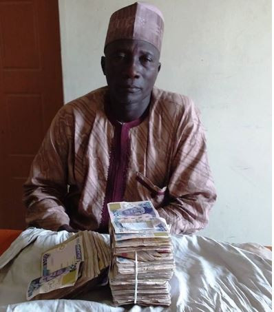 EFCC arrests party agent with over N1.2m, another with N300k (Photos)