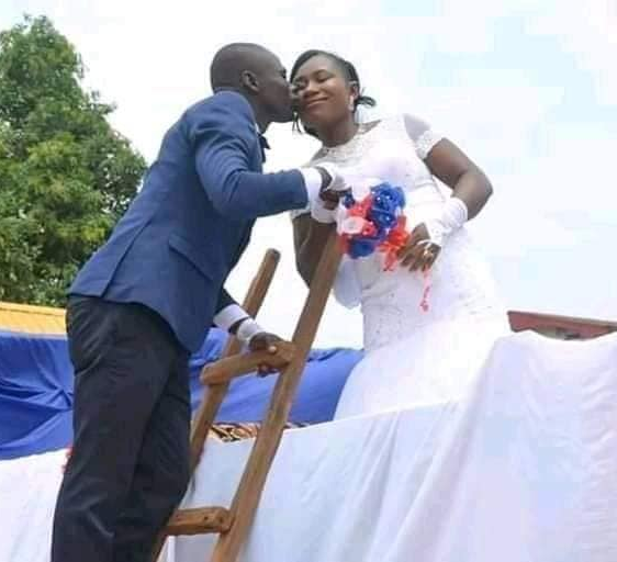 Couple go viral after they got married with a tipper in Akwa Ibom (photos)