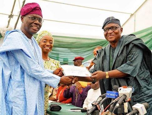 INEC issues?certificate?of return to?Sanwo-Olu (Photo)