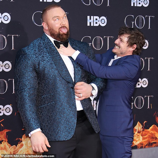 games of throne star the mountain towers over his wife