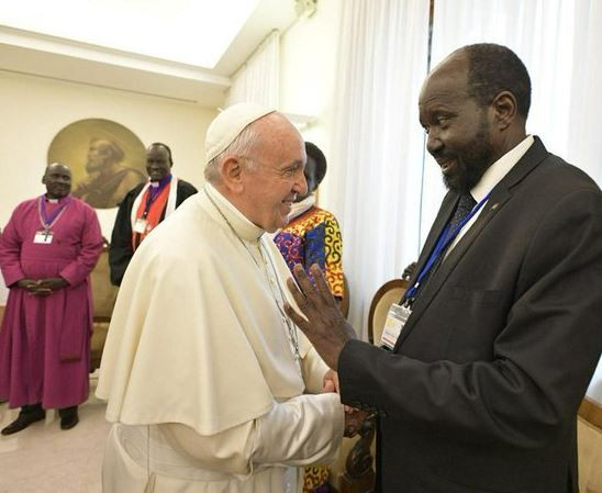 Photos: Pope Francis kisses the feet of Sudanese leaders urging them to maintain peace