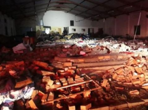 13 people dead after a church wall collapse?during Easter service?in South Africa