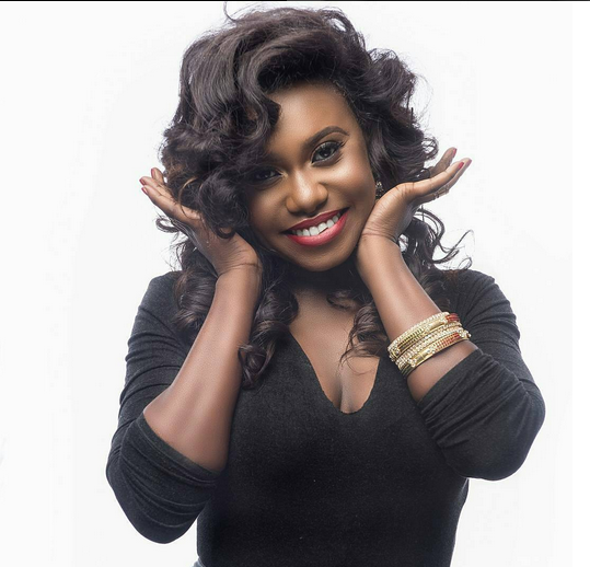 Nigerian Singer, Niniola reacts as Drake requests for her song on radio - Within Nigeria 1