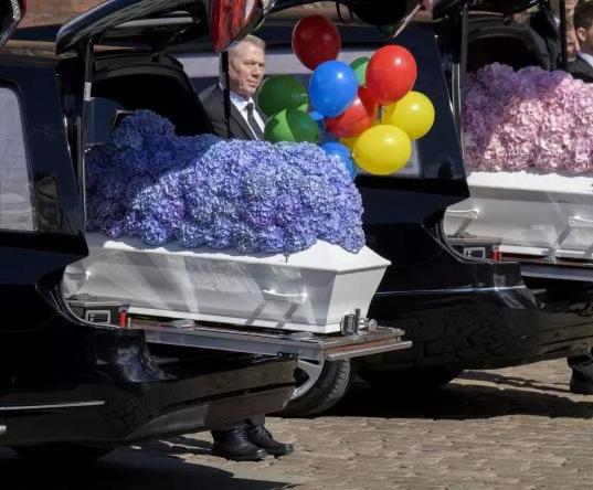 5ccf2c08dfbd8 - Sri Lanka Attack: Burial Ceremony Held For Asos Billionaire's Three Children
