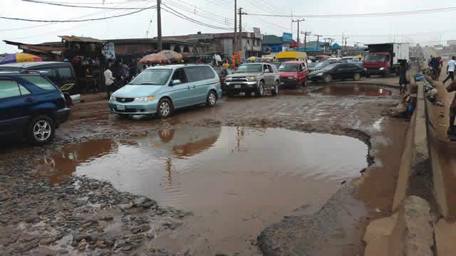 Lagos Govt Set To Release Hotlines For Potholes, Road Rehabilitation