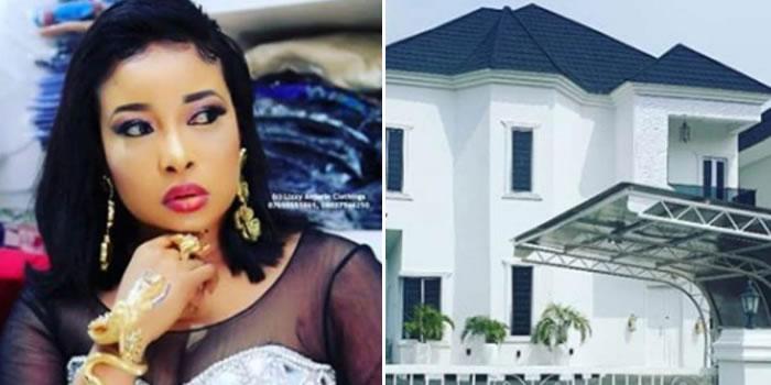https://www.withinnigeria.com/wp-content/uploads/2019/07/11/liz-anjorin-shows-off-her-new-house.jpg