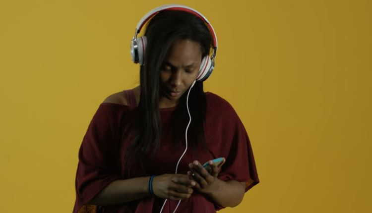 Illegal Music Download Is Awful, But Nigeria Is Not Ready For Music Purchase