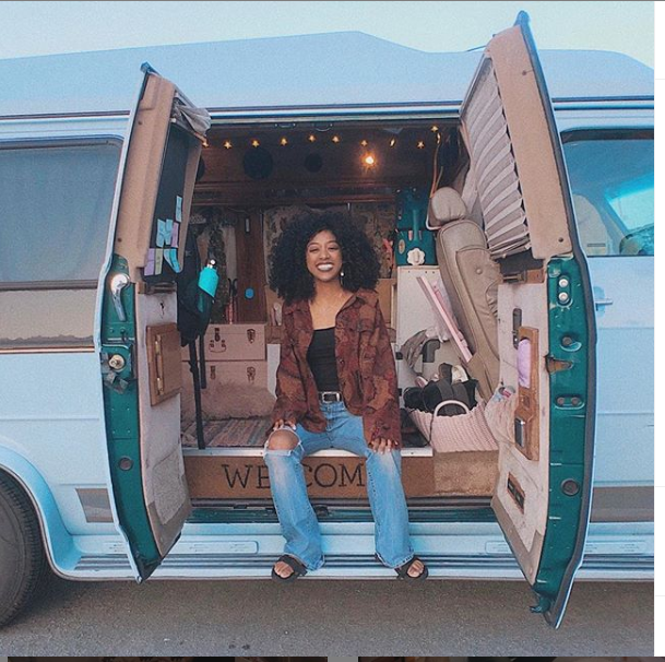 Meet Jennelle Eliana, the stylish 19-year-old girl who lives in a van (Photos)