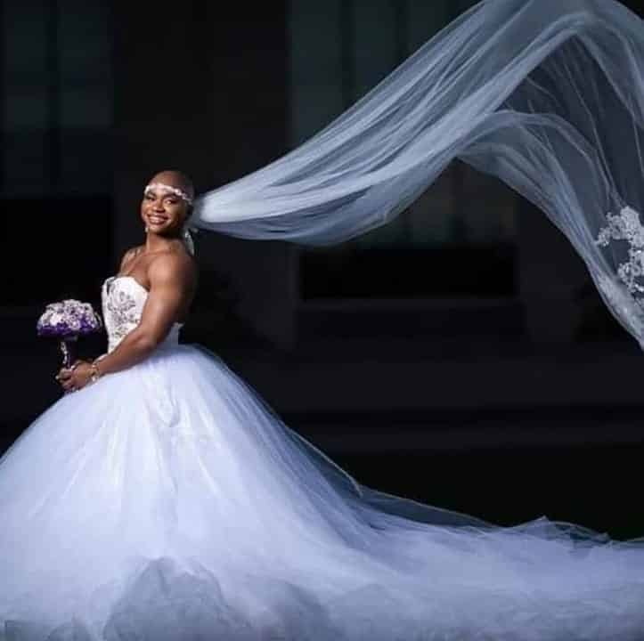 Female bodybuilder with prominent muscles goes viral as she weds