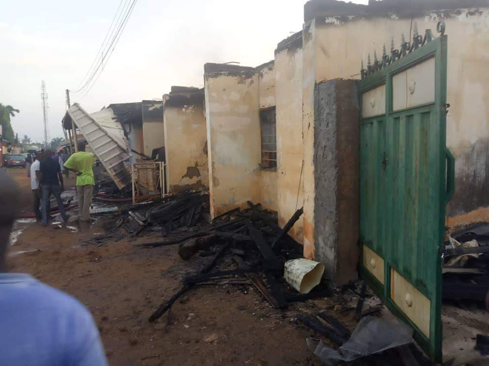 PHOTOS: Permanent Secretary, His Pregnant Wife And Two Kids Burnt To Death In Fire Outbreak 4