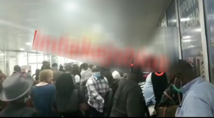 Video of American citizens waiting to be evacuated and left frustrated at Lagos International Airport emerges
