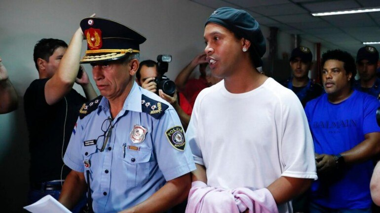 Ronaldinho out of Paraguay jail