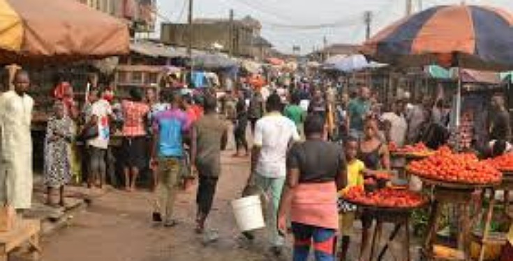 Man dies while buying foodstuff at delta market