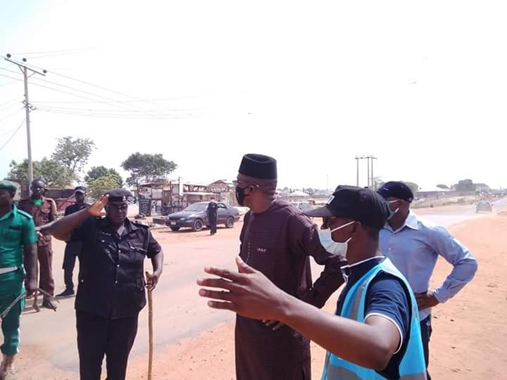 VIDEO: Niger State Govt turns trailer filled with over 50 people back to Lagos amid Coronavirus lockdown