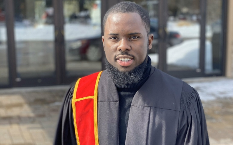 Nigerian Man says as he Renounces his Nigerian Citizenship after Canadian Government sent him $2,290!!!