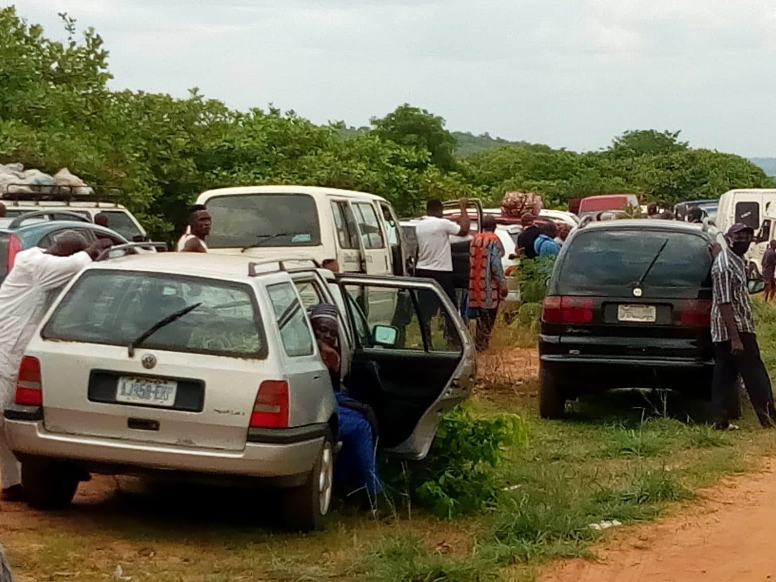 Coronavirus: Travellers intercepted in Enugu for defying lockdown order (photos)