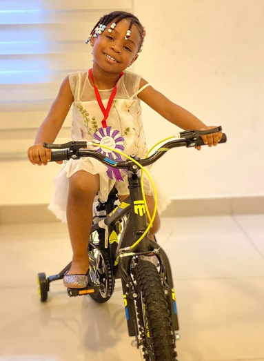 Davido's daughter, Imade receives an amazing gift from him as she graduates from Kindergarten