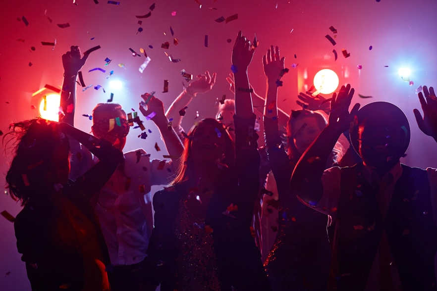 US Students Throw Covid-19 Parties to Infect Guests And Give Prizes to Those Who Catch It First