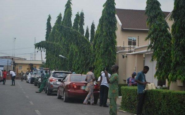 Drama as Oyo deputy governor, Olaniyan was reportedly denied access to Ajimobi's 8th day fidau
