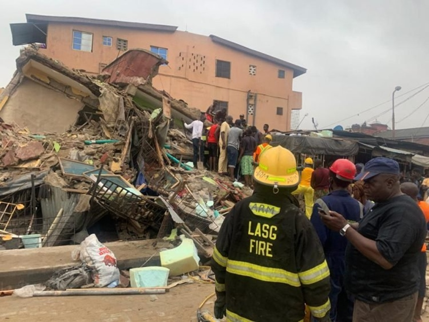 Six rescued, others feared trapped in Lagos building collapse