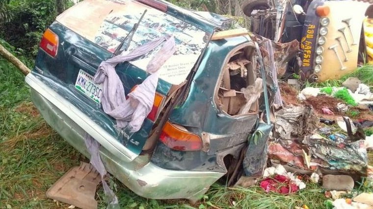 Tragedy as five dead, 2 others severely injured in Enugu road accident