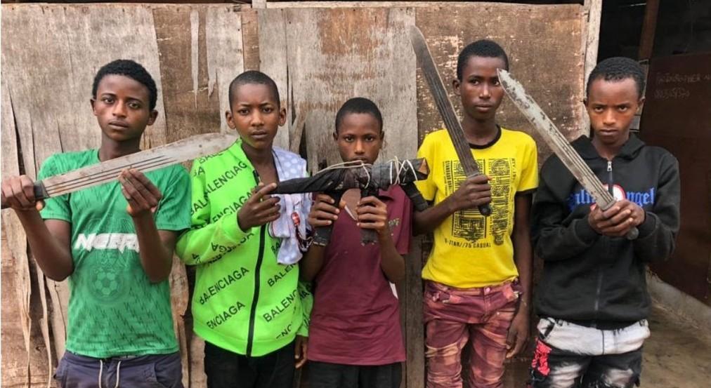 Ogun Police parade five teenage suspected armed robbers