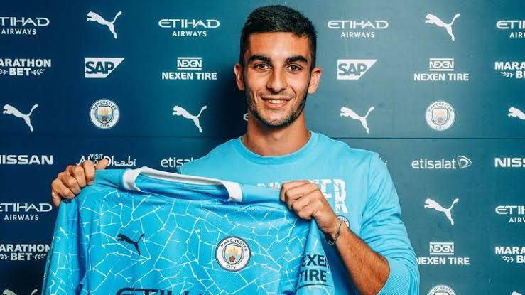 Manchester City sign winger Ferran Torres