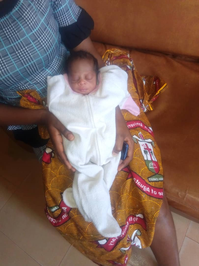 Police rescue day-old-baby abandoned in Anambra (photo)