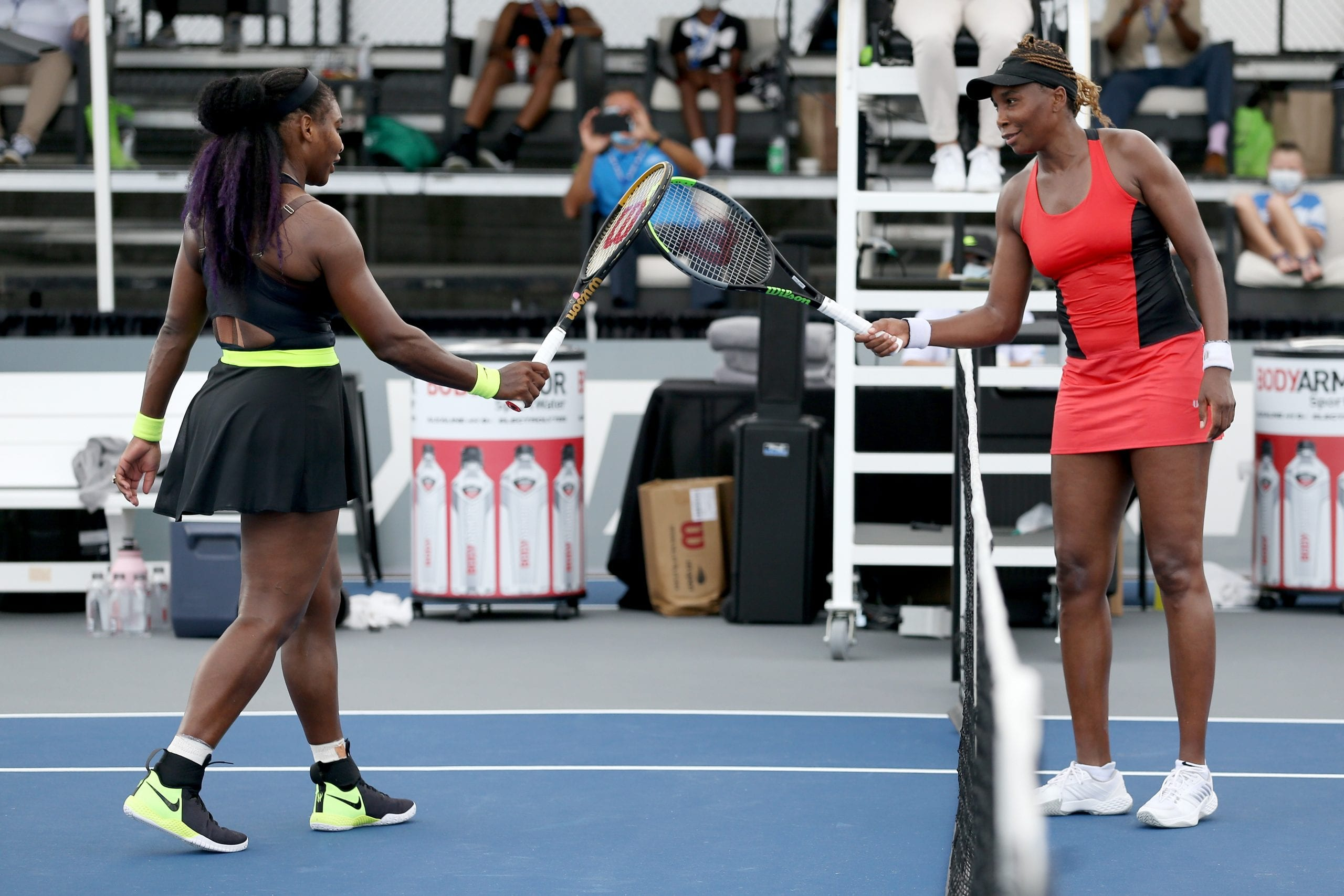 Serena Williams beats sister Venus to make Lexington Open quarter-finals
