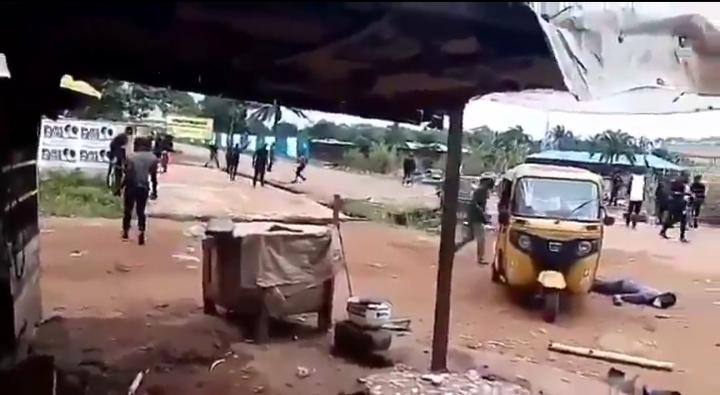 BREAKING: IPOB members and security operatives clash in Enugu (VIDEO)