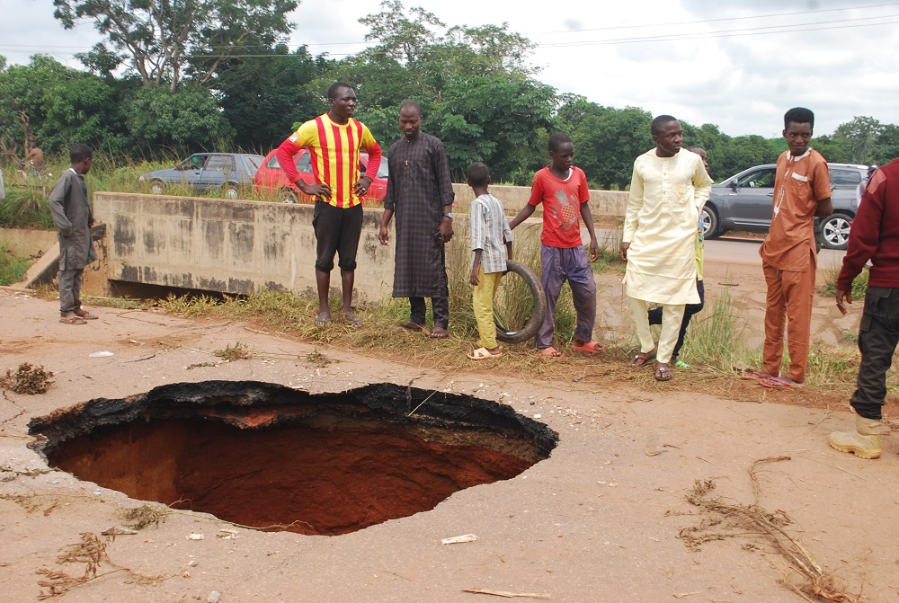 Lane shuts off as sinkhole eats up section of Kaduna-Zaria highway