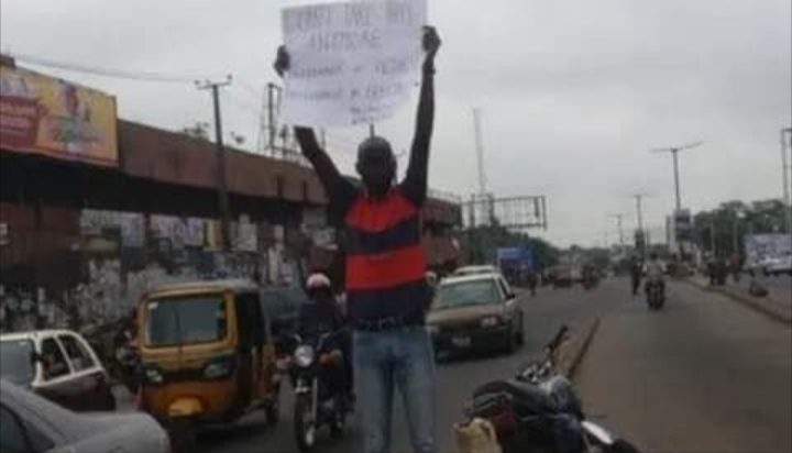 Man stages lone protest in Ibadan against increase in fuel price, electricity tariff