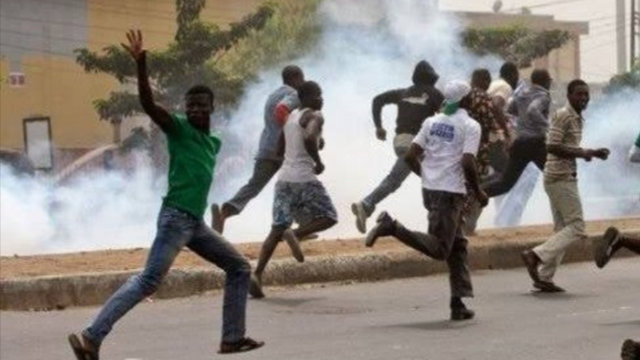 One injured as suspected hoodlums attack Lagos monarch