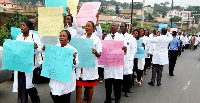 Replace striking doctors with NYSC Doctors, FG tells hospitals