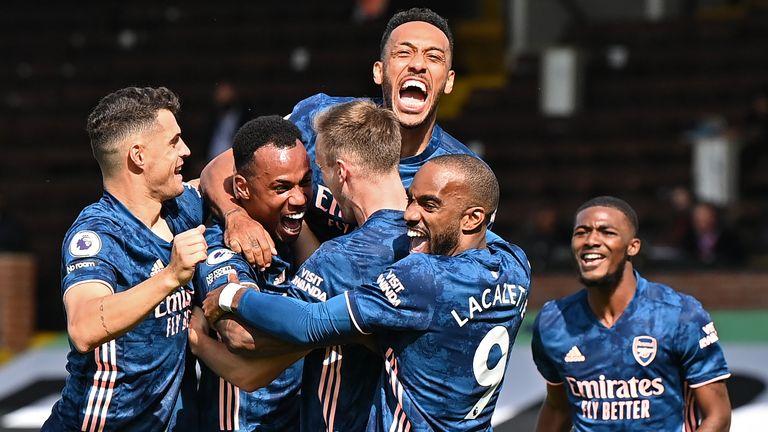 Arsenal best Fulham 3-0 in EPL opener